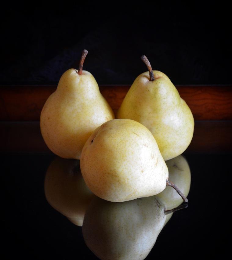 pears_still_life_rebecca_sherrow