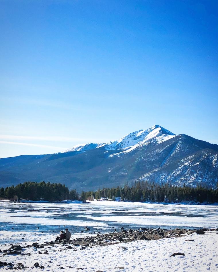 lake_dillon_co_mountains
