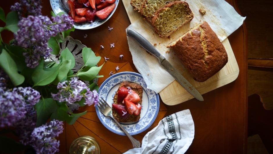 banana bread recipe with lilacs