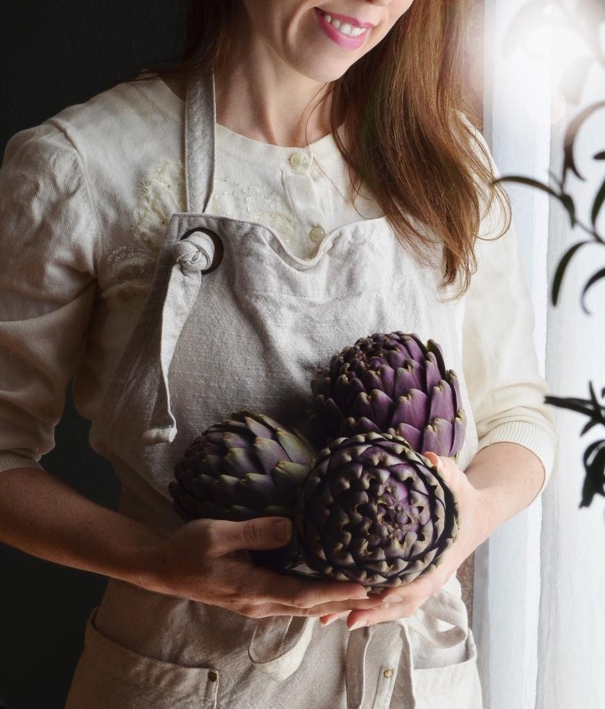 How to prepare artichokes.